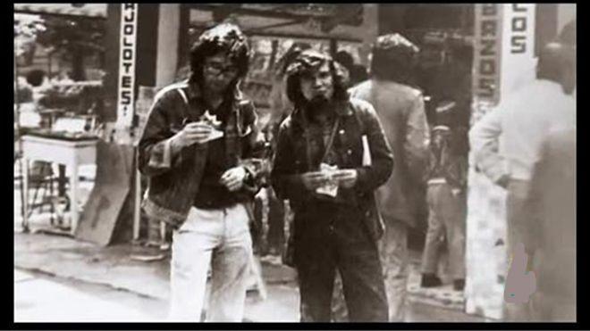 Roberto Bolaño y Mario Santiago Papasquiaro en sus días de juventud. Ciudad de México.