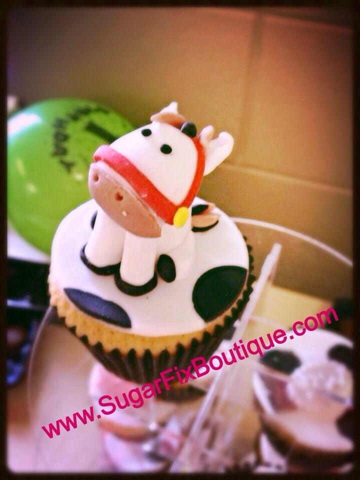 Fondant sugarpaste model cowboy horse cupcake tower. From Sugar Fix Boutique www.sugarfixboutique.com