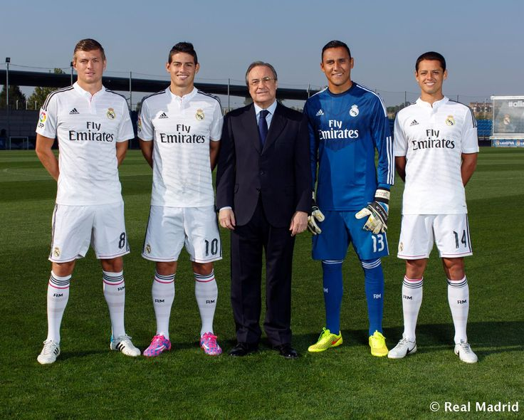 Real Madrid official photograph for the 2014/15 season, Florentino Pérez. Kroos, James, Keylor Navas and Chicharito,