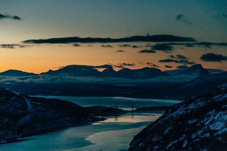 Arrival in Narvik _________________ #dekography #dreamworldimages #exploretocreate #igtravel #landscapehunter #ourplanetdaily #eos6d #travelblogger #travel #fiftyshades_of_nature #instapassport #passionpassport #wondermore #adventureanywhere #mindthemountains #explorewildly #ig_thisworld #canon #modernwild #earthvisuals #iamtb #diewocheaufinstagram #explorewithfriends #wekeepmoments #landscape #bridge #visitnorway #narvik #sunset #mountains @visitnorway @thevisualscollective…