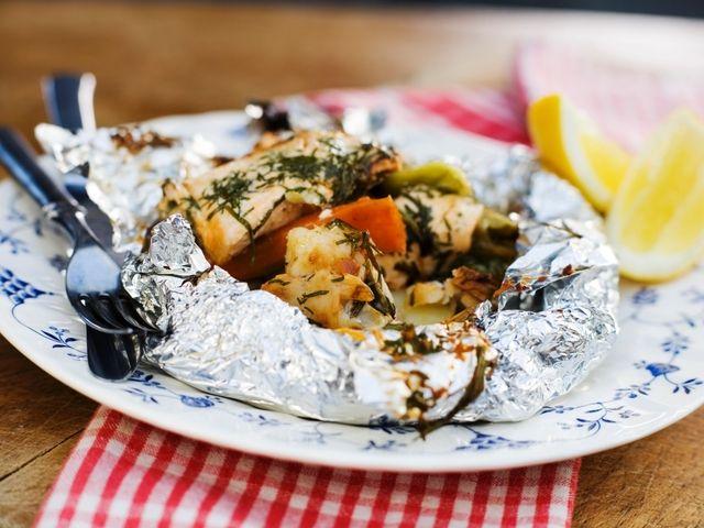 Fiskpaket med grönsaker och färska örter (kock Fredrik Eriksson)