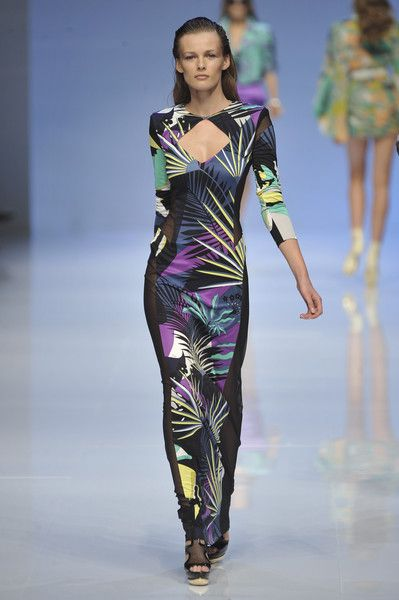 Emilio Pucci at Milan Fashion Week Spring 2009 - Runway Photos
