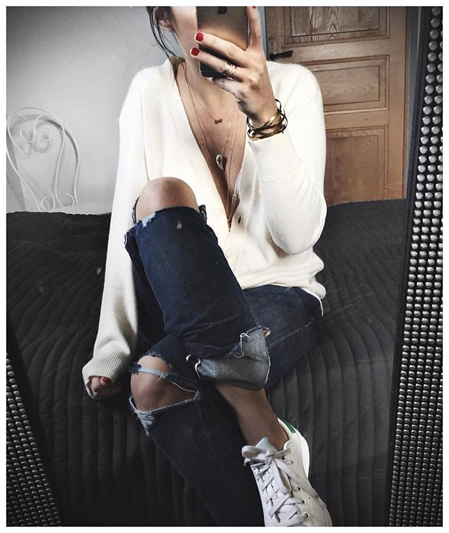 Gilet cachemire à meme la peau et Jean oversize = les vacances • Cashmere Knit #kujten (from @kujten) • Jean #levis (from @levis_fr) • Bracelets #latelier13 (from @latelier13) ...