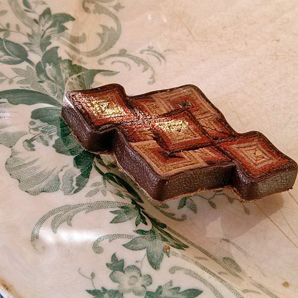 Vintage leather brooch or pin, leather, Vintage, Jewelry, brooches, Womens brooch, transform repurpose,costume accessories, My Wealth by MyWealth on Etsy