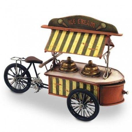 Original cajita retro con forma de triciclo de helados. Es el regalo perfecto para guardar las joyas o cualquier cosa que consideres necesaria para no perderla.