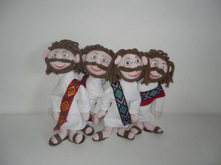 Jesus dolls realizzate in jersey e riempite di poliestere, per il cartamodello e tutte le istruzioni di realizzazione puoi vedere i miei video sul mio canale YouTube https://www.youtube.com/watch?v=NAI2wIs8Cew https://www.youtube.com/watch?v=1rNRxjZtbBo Sonia Colarullo