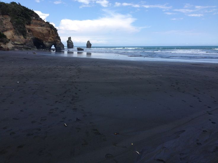 Black Sand beach at Tongaporutu
