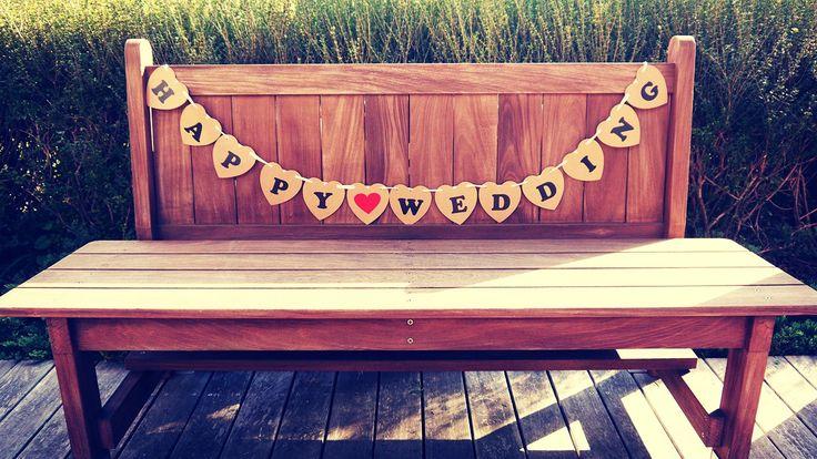 Amazon.co.jp | フォトプロップスハートプレート(JUST MARRIED)/(HAPPY WEDING)BROWN 結婚式・二次会・誕生日会写真小道具ガーランド (HAPPY WEDDING) | おもちゃ 通販