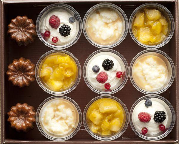 CUP DELIGHT 12 desserts et canelés pour 8-10 personnes - 3 riz au lait - 3 compotées de fruits - 3 yaourt grecs aux fruits rouges - 3 canelés de Bordeaux
