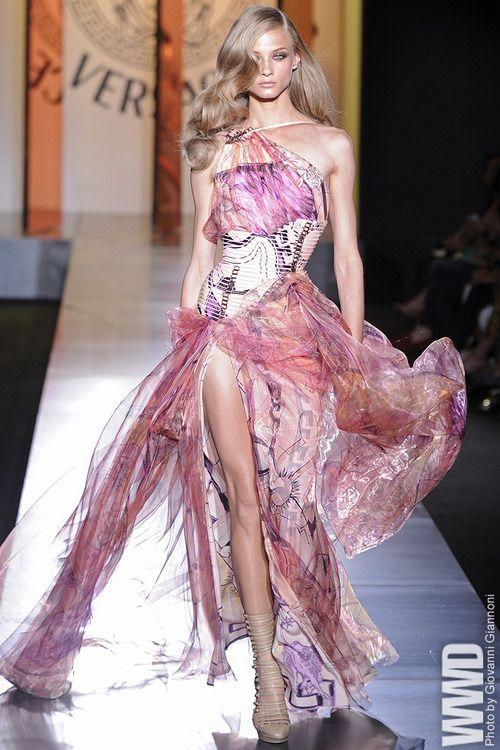 Mejores 10 imágenes de Donatella Versace en Pinterest   Alta costura ...