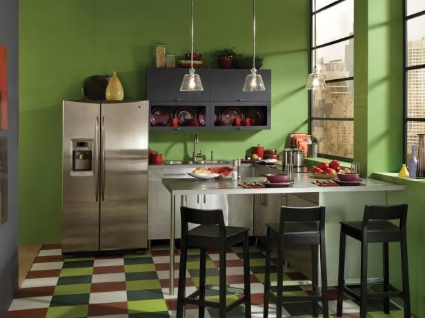 HGTV.com has inspirational pictures, ideas and expert tips to help you find out the best colors to paint your kitchen.