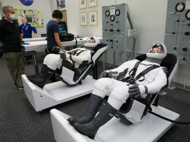 De los superhéroes al espacio: el diseñador de los trajes de SpaceX | Dónde Ir Intracranial Pressure, Intracranial Hypertension, Daft Punk, Elon Musk, Pumpkin Suit, Translational Research, Nasa Spacex, Headache Causes, Space Shuttle