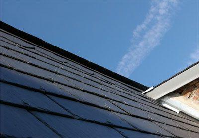 Anti-mousse prêt à l'emploi pour toit maison IDS QUATER L'IDS QUATER est une solution aqueuse prête à l'emploi pour le traitement curatif et préventif des toits en ardoises, tuiles, fibrociment, chaume, tôles pré-laquées, etc. recouvertes de plantes dites thallophytes (mousses, lichens, algues, verdissures, etc.). Ce produit est non toxique pour l'homme et non contaminant pour l'environnement. Etant neutre, il n'attaque et ne modifie pas les surfaces et s'utilise sans rinçage tout en…