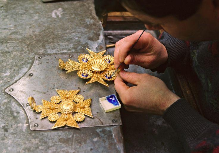 Enameling the filigree jewelry