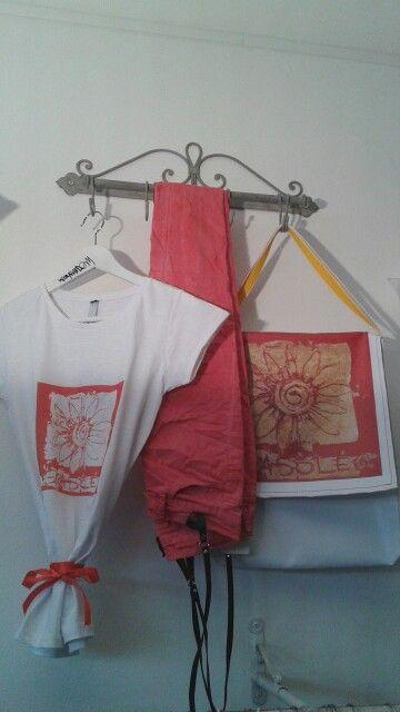 T-shirt e borsa