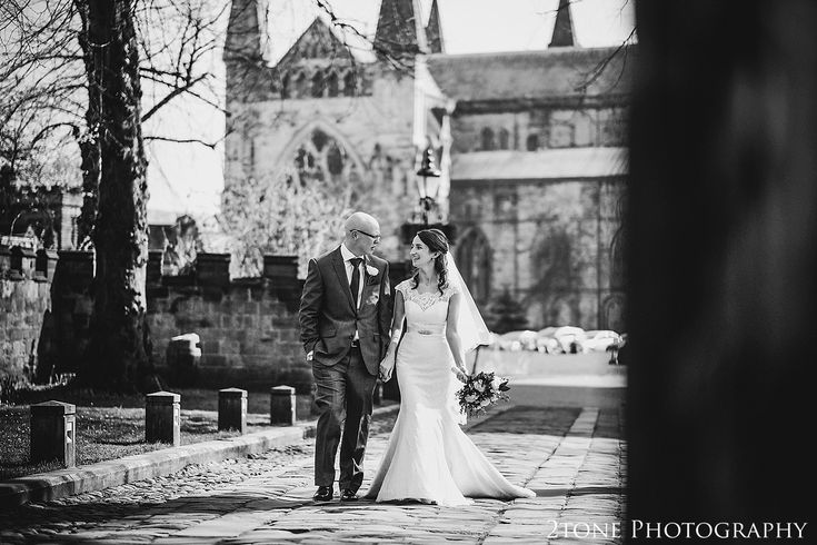 Bride and Groom. Durham Castle wedding Photography by Durham and Newcastle wedding photographer www.2tonephotography.co.uk