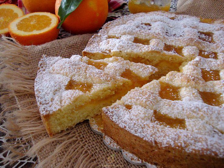 La Crostata con marmellata di arance è un dolce molto buono e delicato, conquisterà tutti.