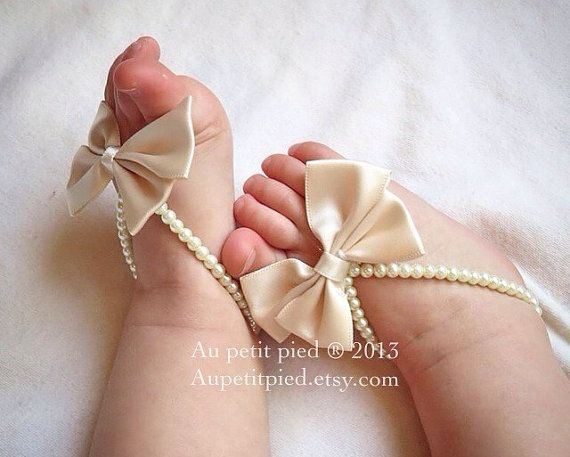 Baby barefoot sandalsivory bowbaby foot jewelrybaby by Aupetitpied