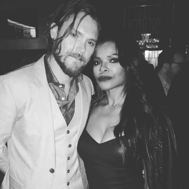 "517 Likes, 15 Comments - Keesha Sharp (@keeshasharp) on Instagram: ""The family was together! @claynecrawford and I #foxupfronts #lethalweapon"""