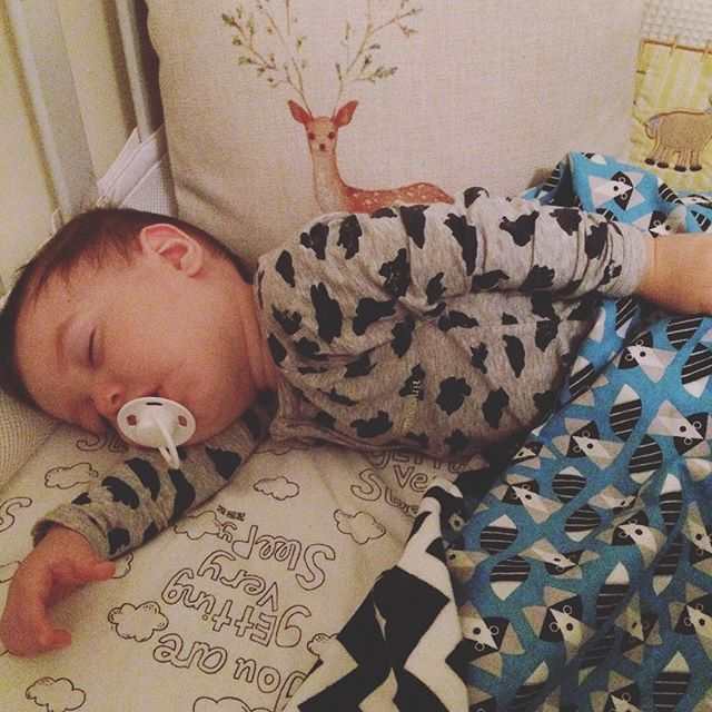 Night Night from this handsome boy. All tuckered out from a fabulous weekend. Wearing his new @bondsaus #wondersuit, also featuring our @levi_and_evelyn  Blue Raccoon reversible #minkyblanket  Shop link in bio. #leviandevelyn #handmade #madewithlove #madeinaustralia  #smallbusiness #familybusiness #babyboy #babylove #sleep #nap #night #bed #BondsBabyStyle #style #cute #love