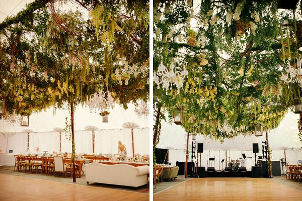Decoración de boda con techo de follaje