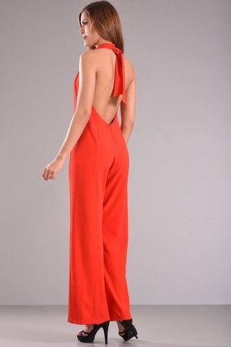 Φόρμα ολόσωμη με ανοιχτή πλάτη και δέσιμο στο λαιμό σε κόκκινο χρώμα από κρέπ ύφασμα με μικρή ελαστικότητα.    Μεγέθη : Small  Χρώμα : Κόκκινο  Σύνθεση : 96%PES 4%SP