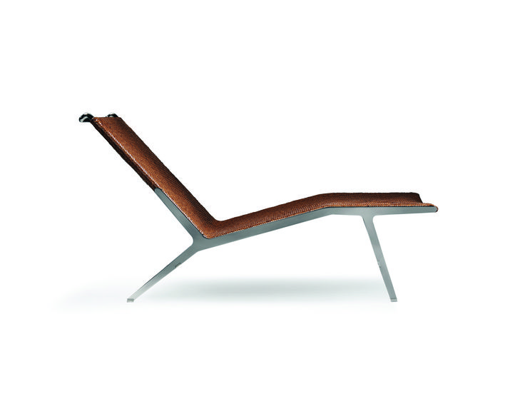 FLEXFORM HELEN #chaiselongue with metal base designed by Antonio Citterio.