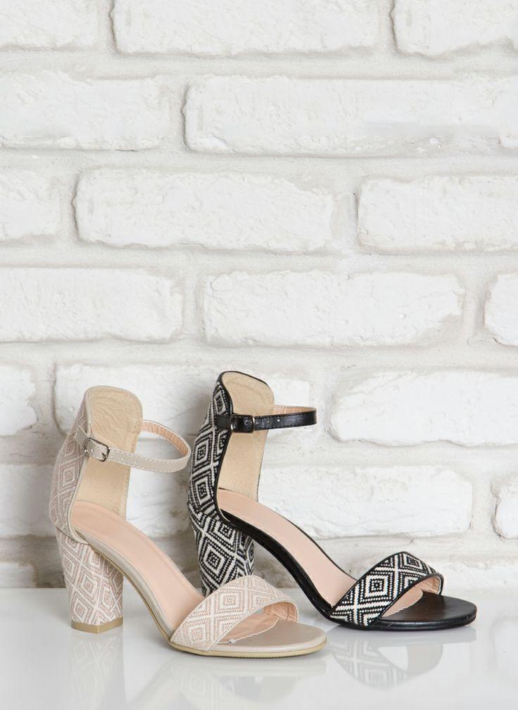 Sandały Figured Beige Heeled Sandals / Sandały / Obuwie damskie - Modne buty, stylowe ubrania i obuwie damskie, sklep z butami i ubraniami, ...