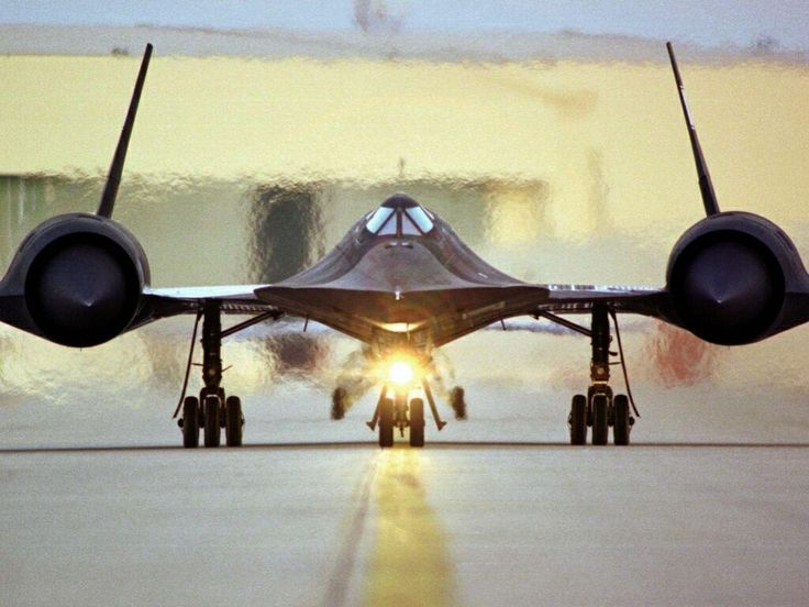 http://iliketowastemytime.com/sites/default/files/sr71_blackbird3.jpg