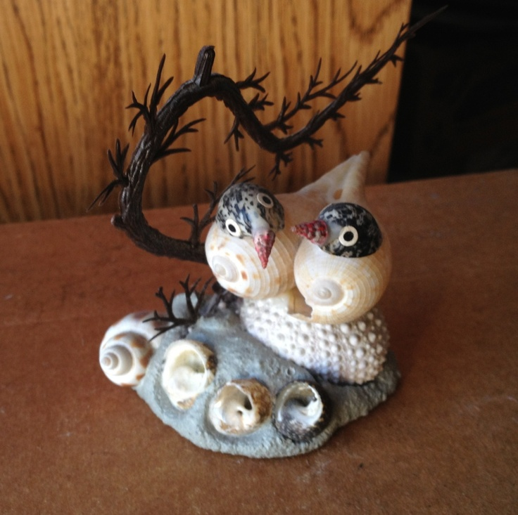 Seagull sculpture made from seashells goodies i 39 ve for Animals made out of seashells
