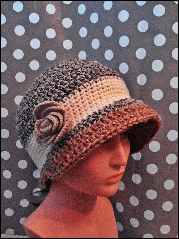 Chapeau cloche rétro aspect tweed, gris chiné blanc et beige, au crochet : Chapeau, bonnet par crochet-du-gauche