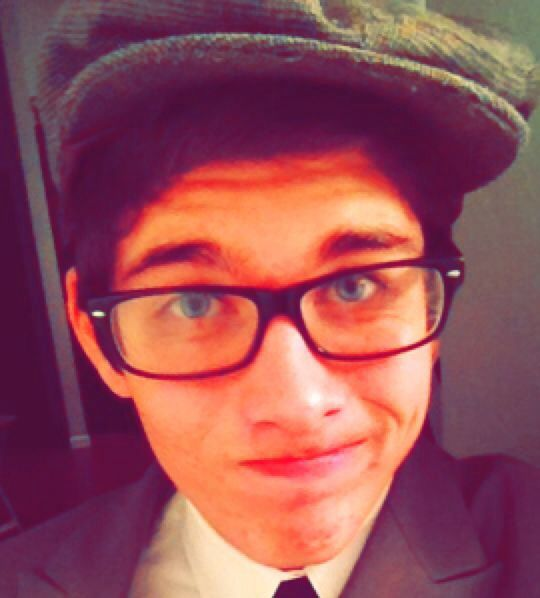 #vintage #hats #blue #eyes #model #hipster #60s #50s #dylan #theoneandonly #z #geekinthepink #railroad #newsboy