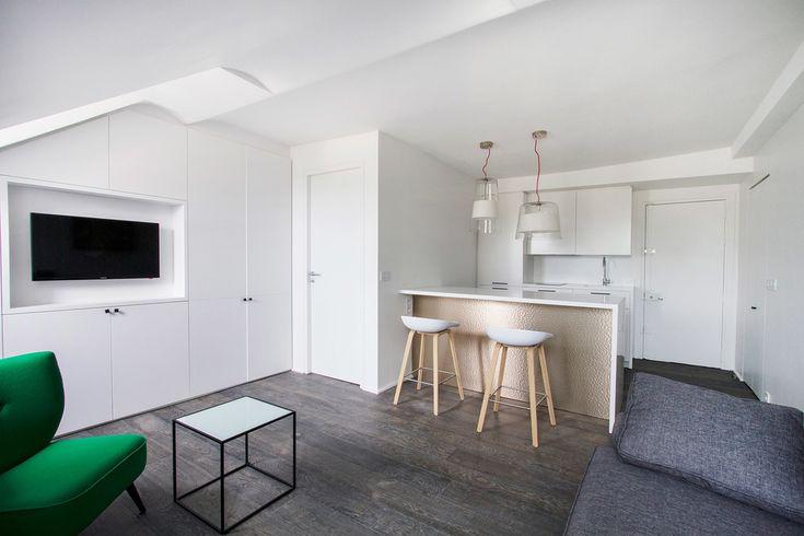 Rue du Faubourg Saint Honoré, Paris 8ème. Appartement meublé à louer à Paris   Ref 10956 Book-A-Flat