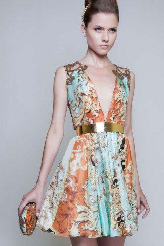 A estilista Patricia Bonaldi cria os vestidos de festa que todas querem usar