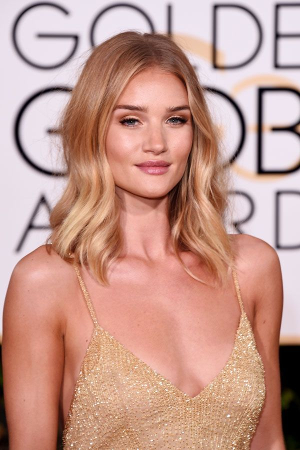 What's an award show without a killer fresh-from-the-beach look? Rosie Huntington-Whiteley delivered, complete with a sun-kissed glow