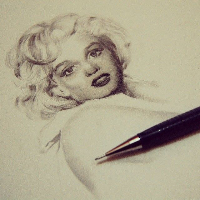 Marilyn Monroe Portrait in graphite on paper 20cm x 15cm
