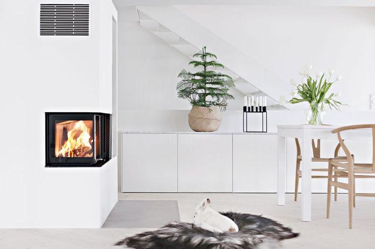 Minimalistisk varme: Stilren peis ble kronen på verket i nyoppusset stue - Byggmakker+
