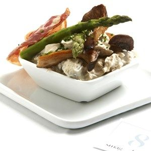 Hønsesalat, pancetta og asparges