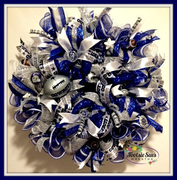 Sportsnfldallas cowboys wreath by tootsiesueswreaths on for Dallas cowboys arts and crafts