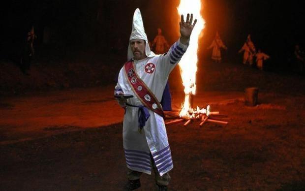 В США застрелили главу расистской организации Ку-Клукс-Клан  http://joinfo.ua/inworld/1197151_V-SShA-zastrelili-glavu-rasistskoy-organizatsii.html