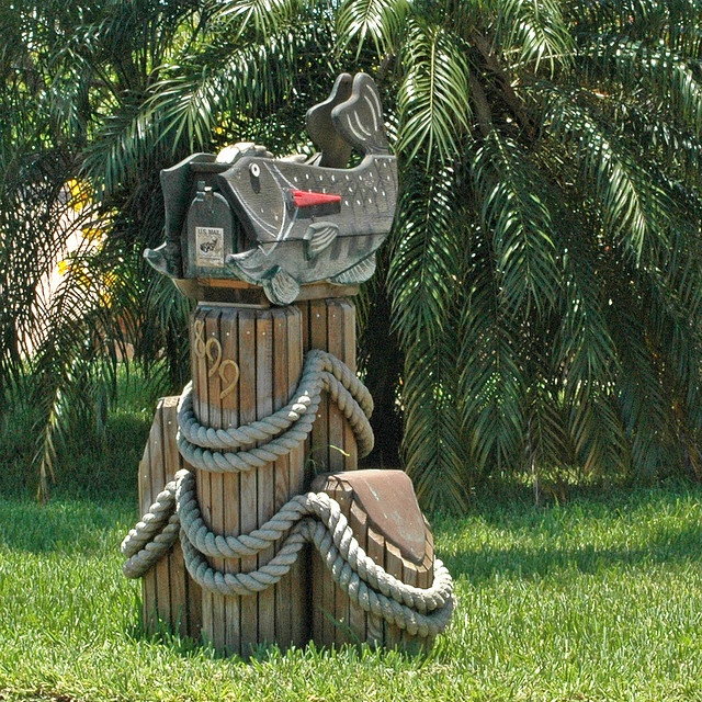 ..mailbox for my house on the cape :)