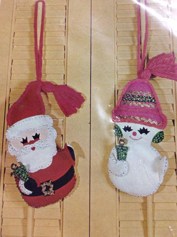 Bucilla vintage Natale Needlecraft ornamenti Pupazzo di neve Santa ornamenti Craft Kit Bucilla 8318 originale imballaggio sigillato