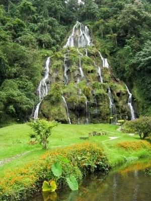 Cascadas en Santa Rosa de Cabal, Colombia