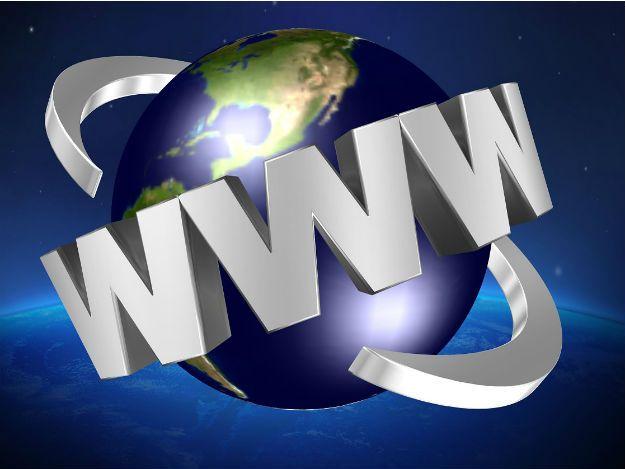 Brasil supera a marca de 100 milhões de internautas, segundo o IBGE confira mais em http://www.publicidadecampinas.com.br/brasil-supera-a-marca-de-100-milhoes-de-internautas-segundo-o-ibge/.      O acesso a internet no Brasil cresceu 7,1% e superou a marca de 100 milhões de internautas com 10 anos ou mais de idade em 2015, de acordo com dados da nova Pesquisa Nacional de Amostras de Domicílios (Pnad) 2015, divulgada pelo IBGR nesta sexta-feira, 25. Aproximadamente 102 mil