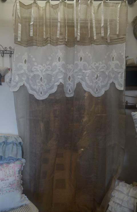 Rideau en lin et cantonni re houses tissu pinterest for Cantonniere shabby chic