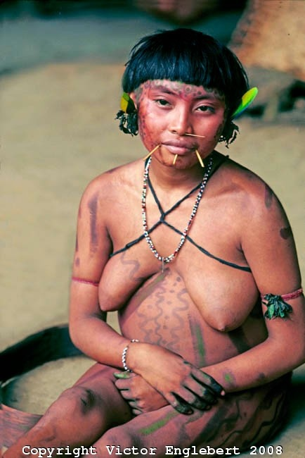 Brazil. Amazon rain forest. Yanomami indian.