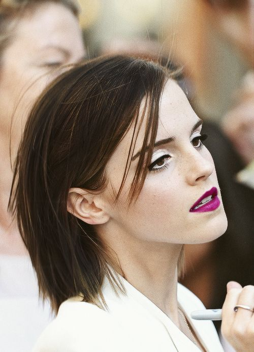 Emma Watson is gorgeous. Her hair and makeup... On point!   LIP COLOR