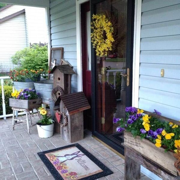 36 Amazing Spring Porch Farmhouse Style Homeridian Com Spring Porch Decor Spring Porch Front Porch Decorating