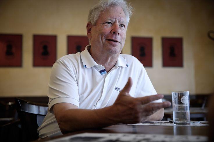 Ön szerint miből van több nálunk, gyilkosságból vagy öngyilkosságból? Meg kell ismernünk az emberek gyengeségeit, ha tudni akarjuk, hogy hol lehet manipulálni őket. Ezt pedig fel lehet használni jóra is és rosszra is. A viselkedési közgazdaságtan egyre inkább meghódítja a világot a közgazdászszakmán túl is, egyik legnagyobb alakjával, Richard Thalerrel interjúztunk.