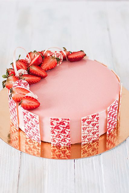 Strawberry cake {recipe in Russian}